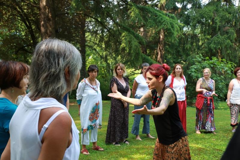 Lezioni di canto Milano Sara USAI voce Bagno di gong milano